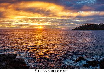 oceânicos, pôr do sol, com, céu dramático