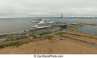 Ocean liner in seaport. - Large ocean cruise ship moored in...