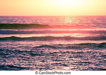 Ocean wave breaking down
