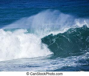 ocean wave breaking - powerful ocean waves breaking natural...