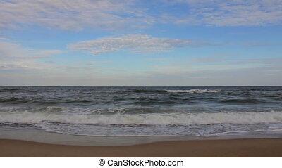 Ocean waves (Full HD) - Ocean waves on the shoreline (Full...