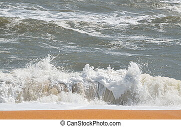 Ocean Waves on the surf