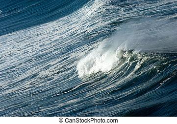 Ocean\\\'s fury - Oregon pacific coast