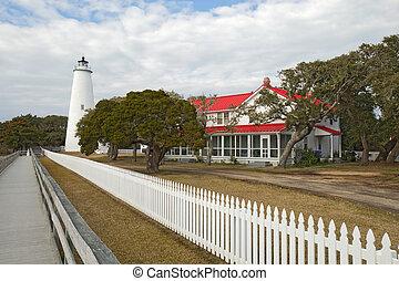 ocracoke, 岛, 灯塔, 在上, the, 外部的银行, 在中, 北卡罗来纳
