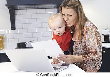 ocupado, estresante, mojinete, madre, bebé, hogar, día