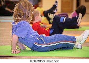 ocupado, niña, gimnasia
