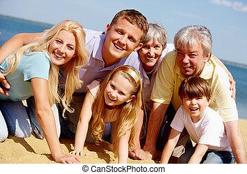 odaadó, család