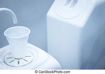 odontólogo, água, enxague, copo, torneira, filler, em,...