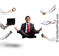 odprężony, biznesmen, że, robi, yoga, podczas, przedimek określony przed rzeczownikami, praca
