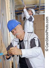 odrutowanie, senior, elektromonter zbudowania, umiejscawiać