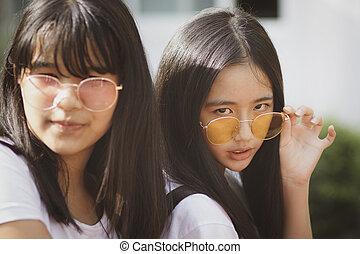 oeil, porter, regarder, deux, lunettes, adolescent,...