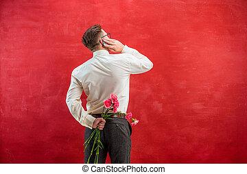 oeillets, bouquet, dos, derrière, tenue, homme
