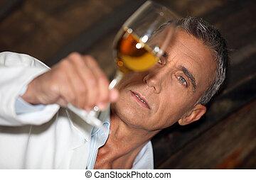 oenologist, analyzing, een, wijntje