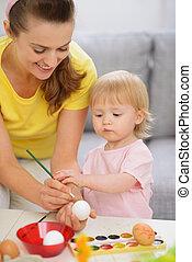 oeufs pâques, mère, bébé, peinture, heureux