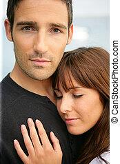 oferta, pareja hugging