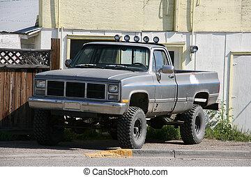 Off road car - Classic, heavy duty, 4 wheel drive pickup...