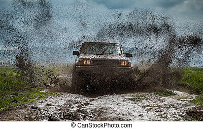 Off-road vehicle to advance bravely splashed mud