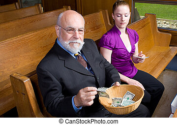 offerta, chiesa, mentre, seduta, uomo, dall'aspetto, macchina fotografica, donna, anziano, basket., pew., soldi, mettere, giovane