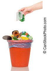 ofhousehold, taza, isolated., cubo, plástico, poniendo, mano femenina, desperdicio
