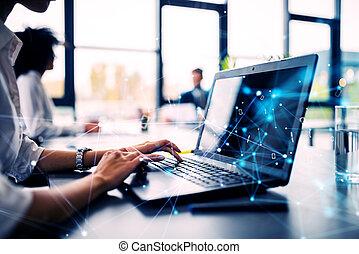 oficina, compañía, mujer de negocios, compartir, inicio, trabaja, computador portatil, internet, concepto, effects.