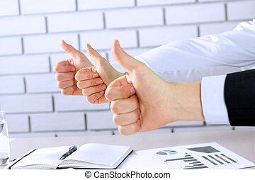 oficina, empresa / negocio, actuación, arriba, pulgares, equipo, feliz