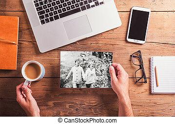 oficina, foto, blanco y negro, desk., objetos, pareja mayor