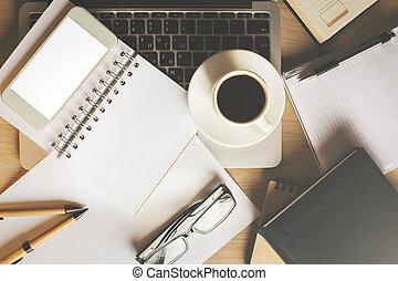 oficina, lugar de trabajo, con, dispositivos