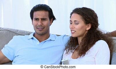 oglądając, szczęśliwa para, telewizja