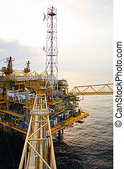 Oil and gas platform in the gulf or the sea, The world ...