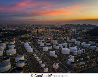 Oil refinery and oil tank