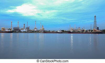 Oil refinery plant along the rive