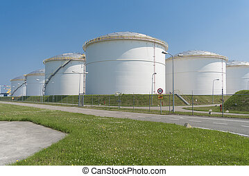 oil storage in the port of amsterdam