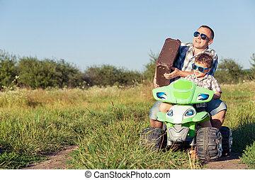 ojciec, dzień, time., syn, interpretacja, droga