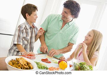 ojciec, pora na posiłek, przygotowywać, razem, dzieci, mąka