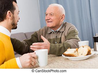 ojciec, syn, śniadanie, starszy