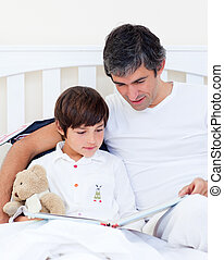 ojciec, troszcząc, czytanie, syn, jego