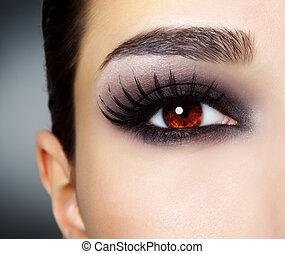 ojo, con, negro, moda, maquillaje