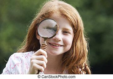 ojo, magnificado, espejo, por, niña, aumentar