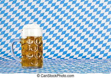 oktoberfest, jarrade cerveza, y, bávaro, bandera, en, plano...