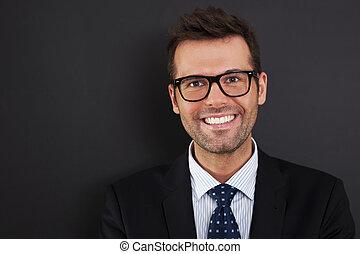 okulary, biznesmen, chodząc, portret, przystojny