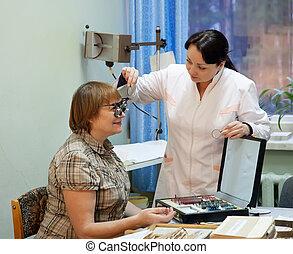 okulista, pacjent