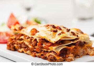 olasz, lasagna, képben látható, egy, derékszögben, tányér