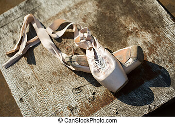 Old ballet pointe shoes