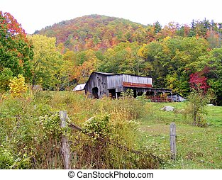 OLD BARN IN THE COUNTRY IN THE FALL