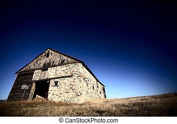 Old barn on the Prairies