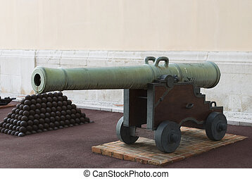 Old cannon at the Palace of Monaco
