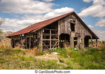 Old Country Barn - An old abandoned country barn in...