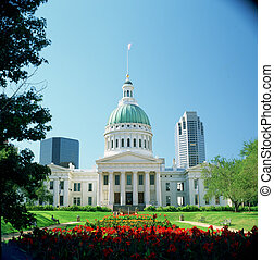 OLD COURT HOUSE - The Old Court House in St. Louis where the...