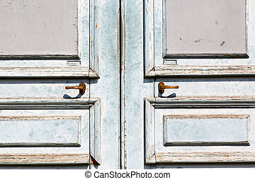 old door and ancien wood hinge - antique old door and ancien...