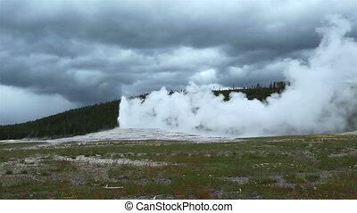 Old Faithful Geyser, Yellowstone NP